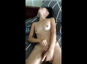 Tiny Vietnamese young lady jacking for..