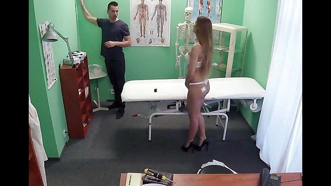 Faux Health center video, Medic..