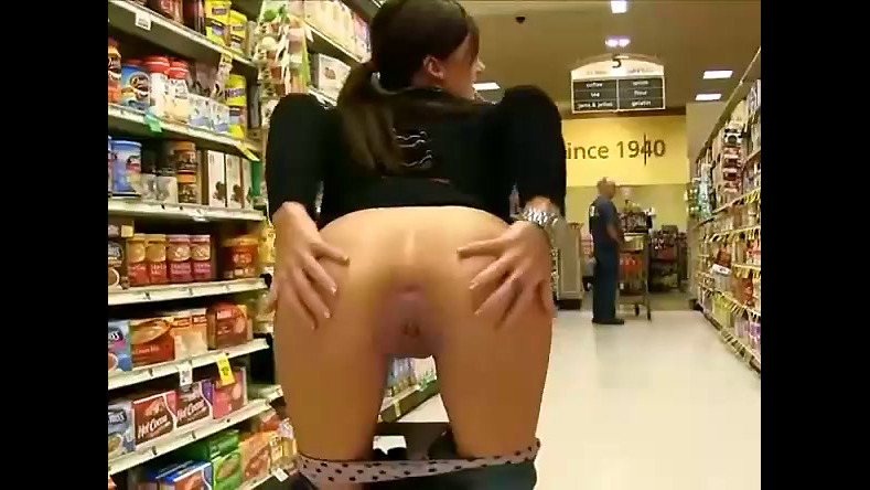 Maiden nudist display labia and arse..
